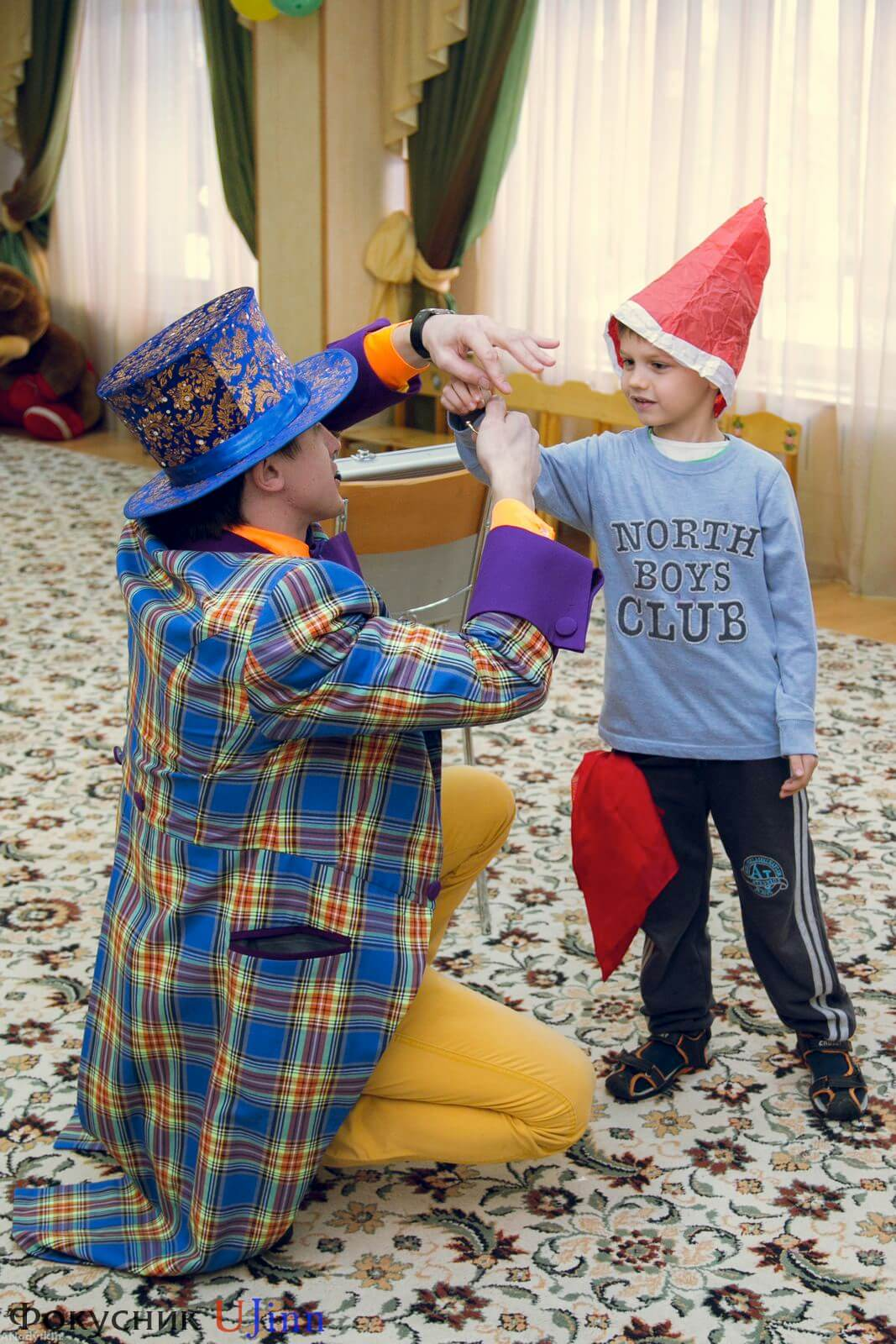 Фокусник Юджинн в детском саду 14